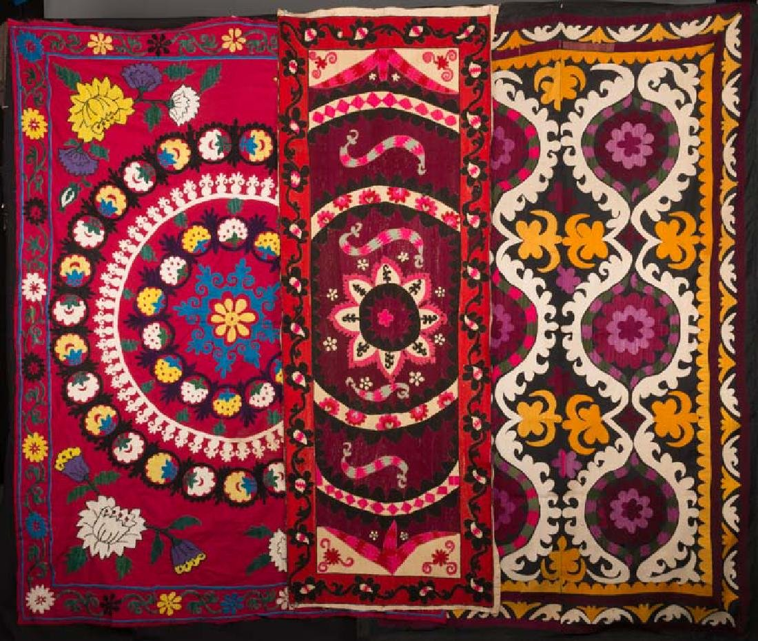 THREE EMBROIDERED SUZANIS, CENTRAL ASIA, 20TH c.