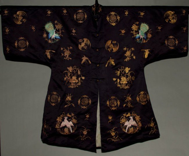 25: EMBROIDERED HAN ROBE, CHINA, EARLY 20TH C