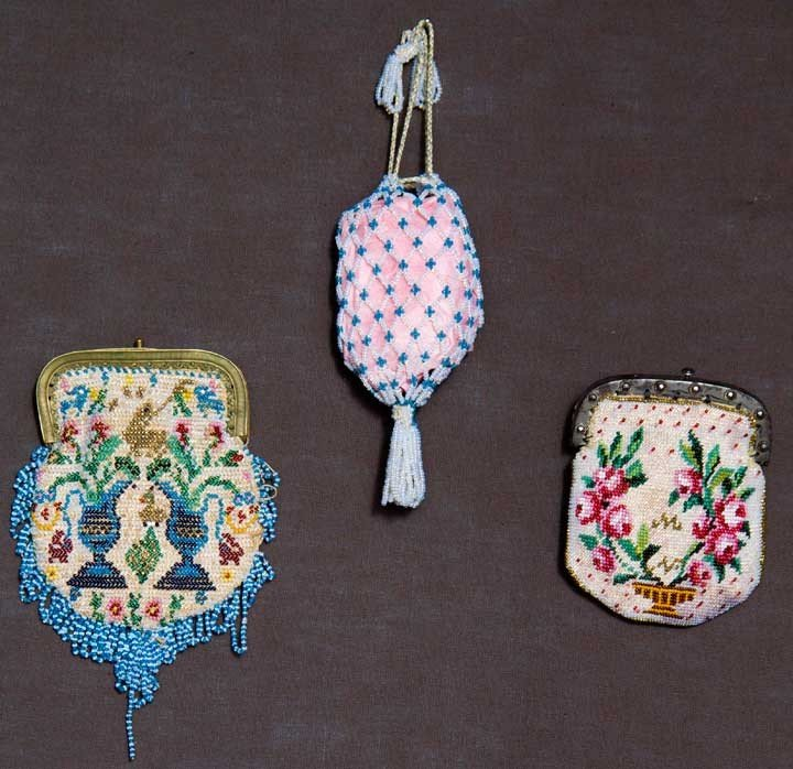 3: THREE BEADED MINATURE PURSES, MEXICO, 1810-1830s
