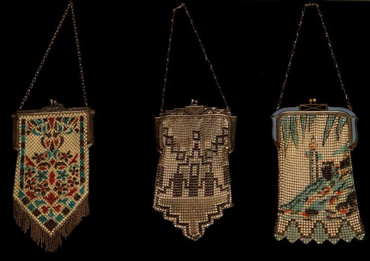11: THREE ENAMELLED MESH BAGS, 1920-1930