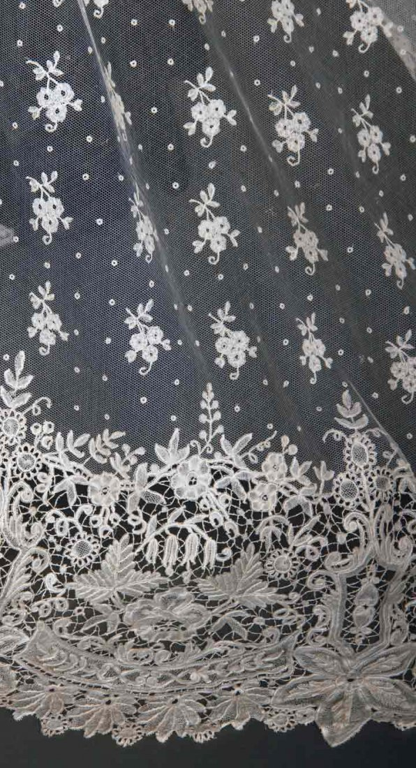 HANDMADE BRUSSELS LACE VEIL, LATE 19TH C - 6