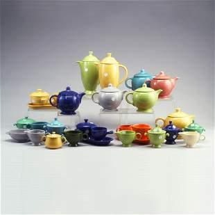 46 FIESTA tea and coffee pieces: 6 teapot