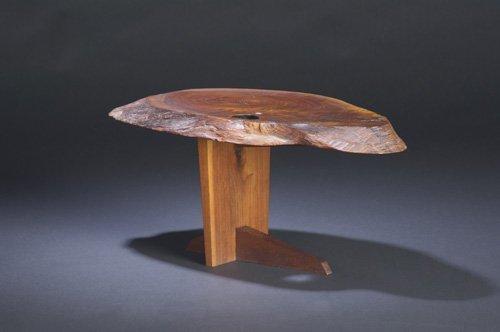 5: GEORGE NAKASHIMA Walnut Minguren I side table, its f