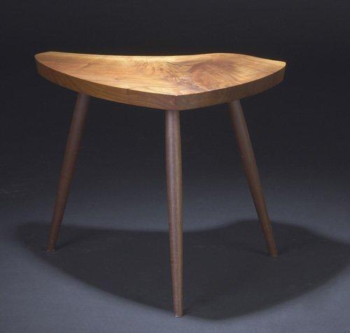 14: GEORGE NAKASHIMA Walnut Wohl table with free-edge t