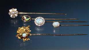 5 GOLD STICK PINS - LION¹S HEAD