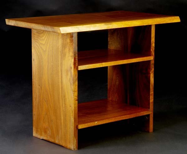 21: GEORGE NAKASHIMA Walnut end table with overhanging