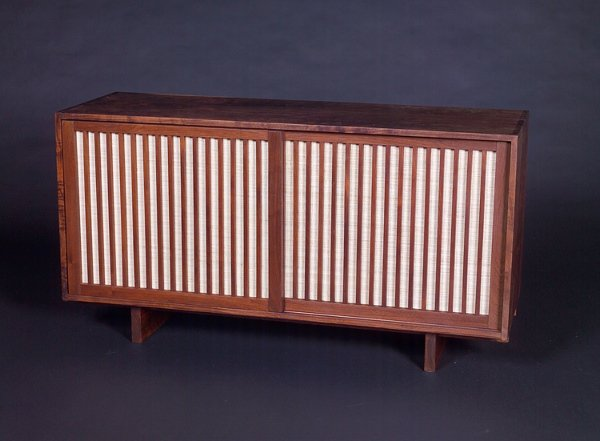4: GEORGE NAKASHIMA Fine walnut dresser with expressive