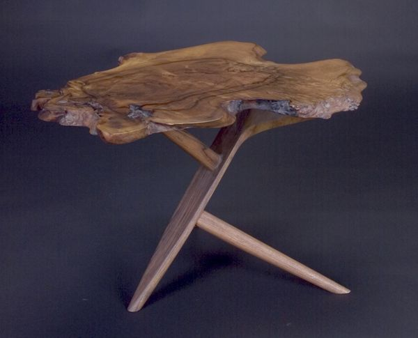 GEORGE NAKASHIMA Fine Conoid end table with excellen