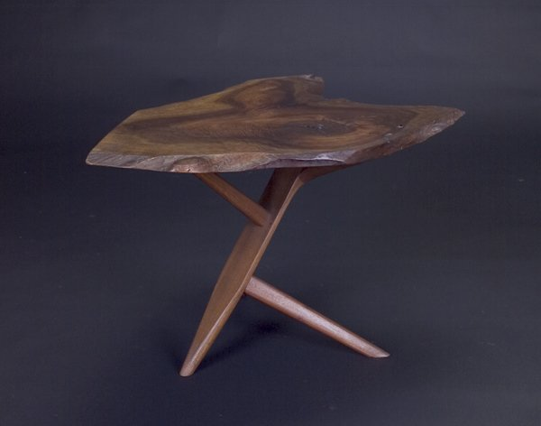 6: GEORGE NAKASHIMA Fine walnut Conoid end table, its f