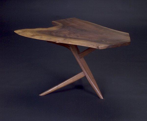 7: GEORGE NAKASHIMA Fine walnut Conoid end table with f