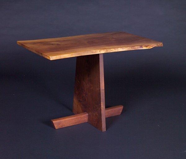 11: GEORGE NAKASHIMA Side table with freeform top on Mi