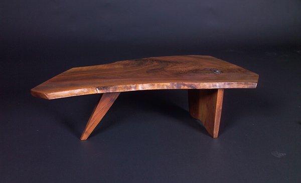 16: GEORGE NAKASHIMA Fine coffee table with free-edge t