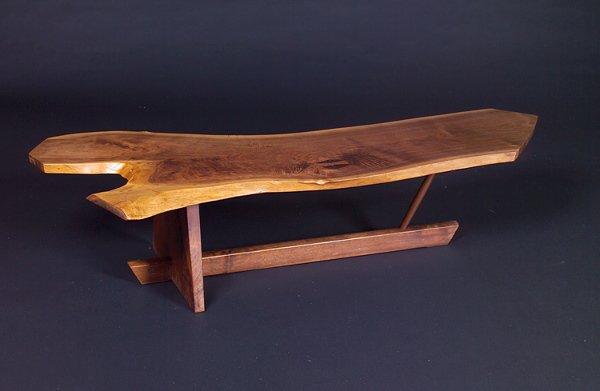 17: GEORGE NAKASHIMA Minguren II walnut coffee table wi