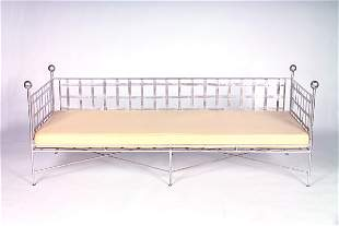 MARIO PAPPERZINI/SALTERINI Latticed daybed with sil