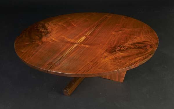 5: GEORGE NAKASHIMA Round Minguren coffee table in waln