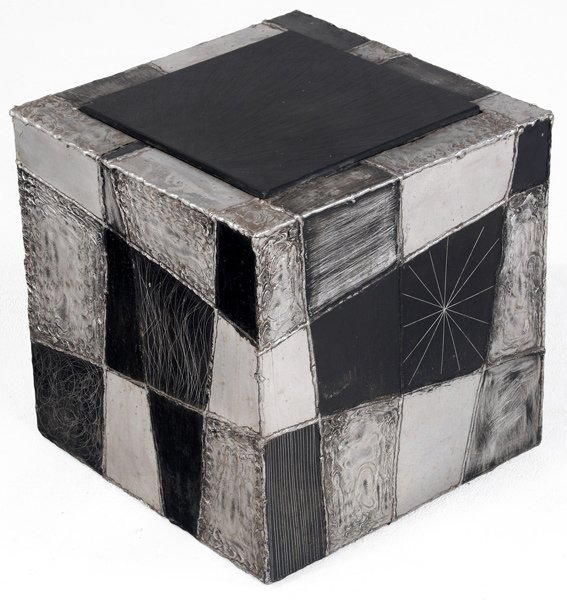 116: PAUL EVANS Argente cube table with natural cleft s