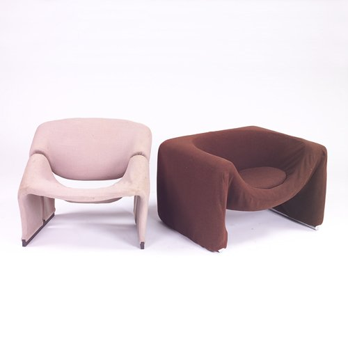 364: Two Pierre Paulin upholstered club chairs, grey up