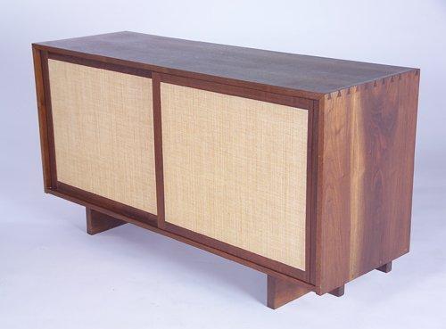 3: GEORGE NAKASHIMA Fine walnut dresser, en suite with