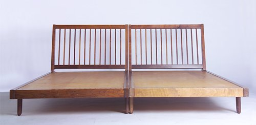 18: GEORGE NAKASHIMA Pair of walnut twin beds, each wit