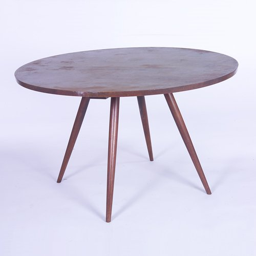 808: GEORGE NAKASHIMA Walnut dining table with circular