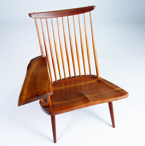 3: GEORGE NAKASHIMA Walnut lounge chair with single fre