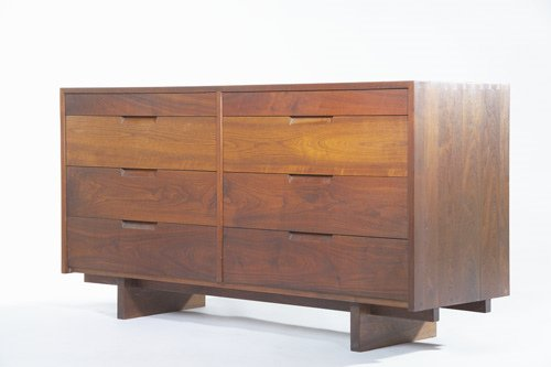 5: GEORGE NAKASHIMA Fine walnut low dresser with pinned