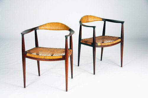 200B: HANS WEGNER/JOHANNES HANSEN The Chair, pair of sc