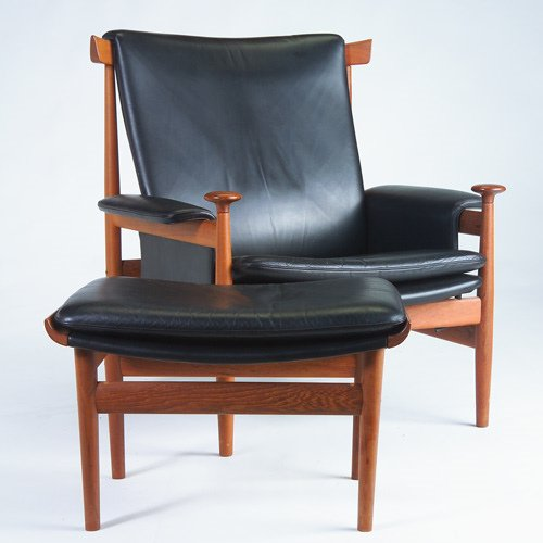 1379: FINN JUHL/FRANCE & SON Teak armchair and matching