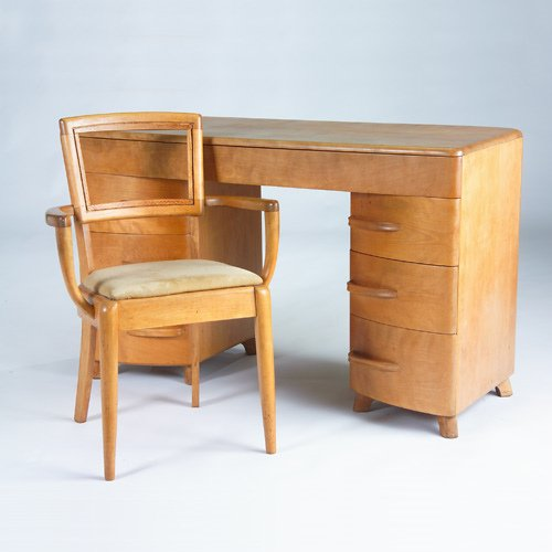 1424: HEYWOOD WAKEFIELD Two pieces: Six-drawer double-p