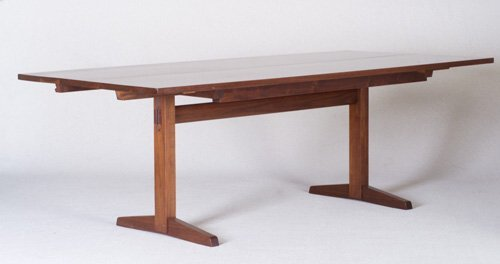 4: GEORGE NAKASHIMA Fine and large walnut ext