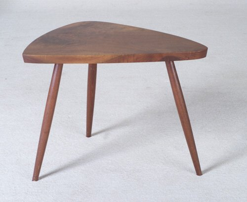 15: GEORGE NAKASHIMA Walnut side table with t