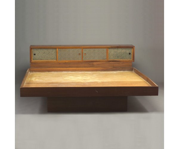 503: SHIZUHIKO WATANABE king-size bed with be