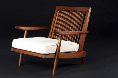 14: GEORGE NAKASHIMA Walnut spindle-back armchair with