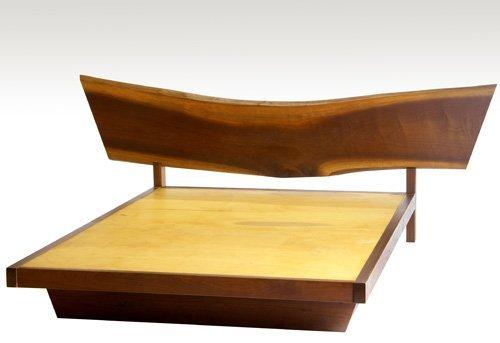 21: GEORGE NAKASHIMA Walnut full-size bed with free-edg