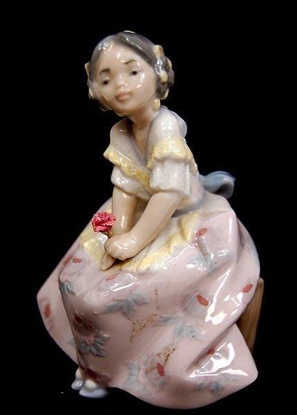 "14: Lladro #5372 entitled ""Lolita"""