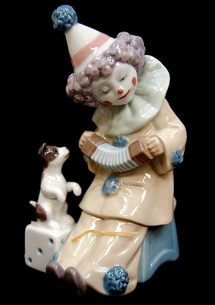"""17: Lladro #5279"""" entitled """"Clown With Concertina"""""""