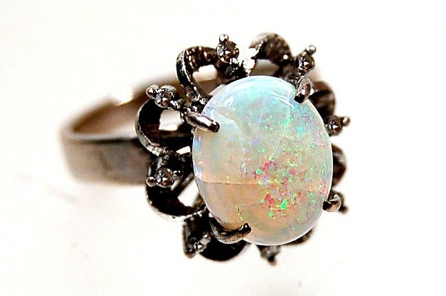 4: 10K opal diamond ring