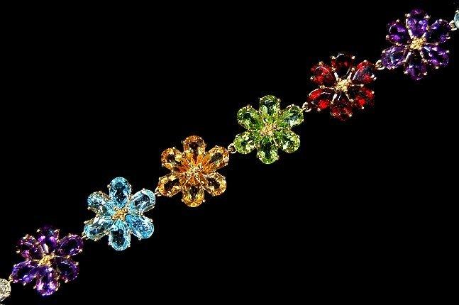 24: 10K semi-precious gemstone flower bracelet