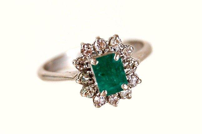 19: 14K emerald diamond ring