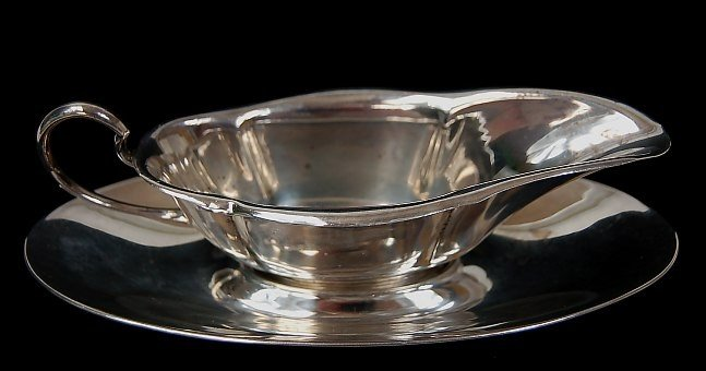 14: Sterling gravy boat and underplate
