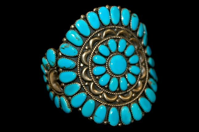 18: Vintage Navajo turquoise sterling cuff