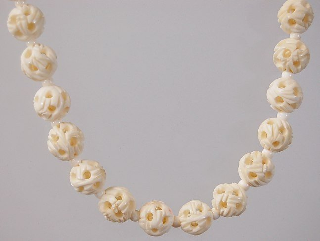 "10: Carved ivory mystery ball 15"" choker necklace"
