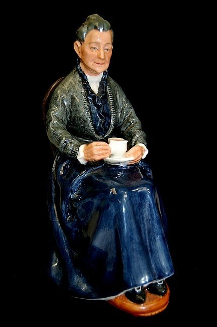 "19: Royal Doulton ""The Cup of Tea"" figurine"