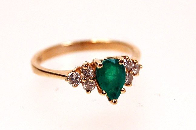 38: Estate 14K emerald diamond ring