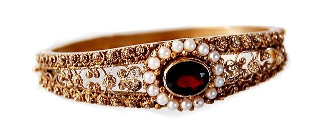 31: Victorian 18K garnet pearl bangle