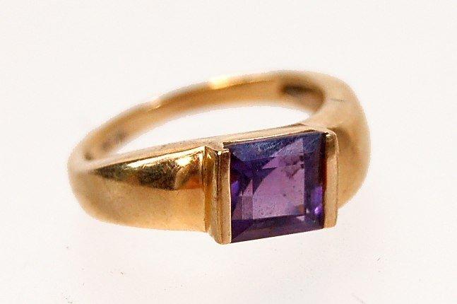 10: 14K amethyst ring