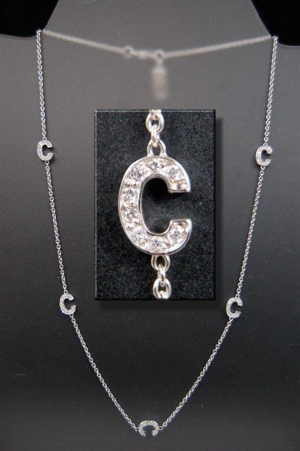 """54B: 18K Roberto Coin initial """"C"""" necklace"""