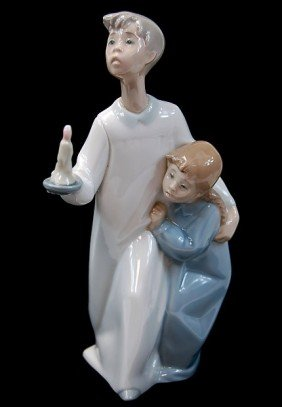 8: Lladro brother sister candle figurine