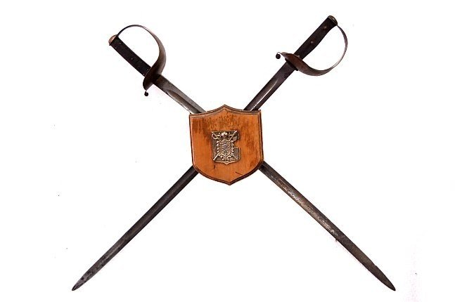 9: Brazilian Alex Coppel calvary sword pair