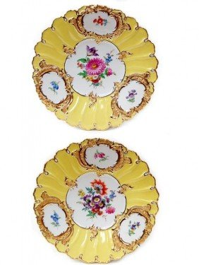"11: Pair of Meissen 9.25"" porcelain plates"